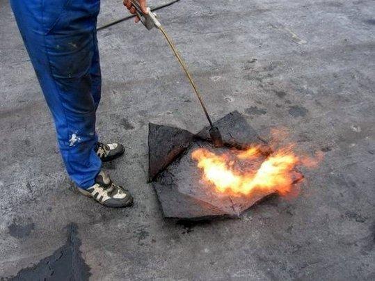 Газовая горелка для ремонта крыши гаража