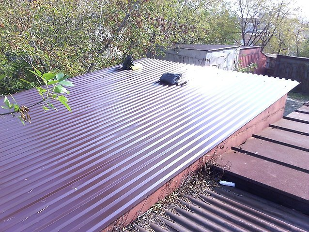 Ремонт крыши гаража металлопрофилем