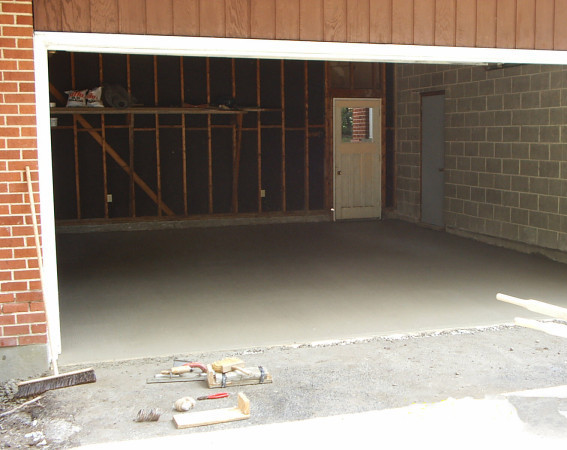 Ремонт и заливка пола в гараже