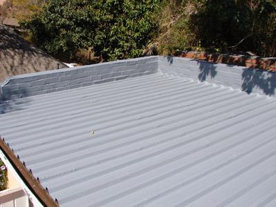 Гидроизолированная крыша с нержавейкой, покрытая жидкой резиной